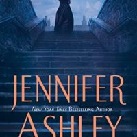 Murder in the East End by Jennifer Ashley @jennallyson @BerkleyPub